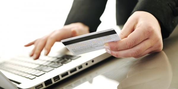 Canais digitais já são responsáveis por mais da metade das transações feitas no Brasil